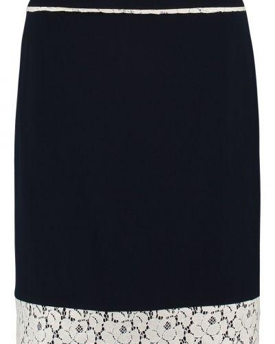 Till mamma från Anna Field, en a-linje kjol.