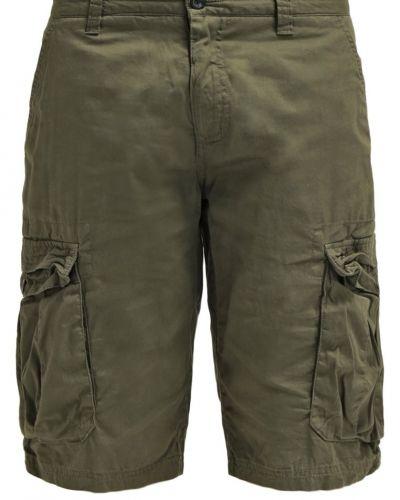 Solid shorts till dam.