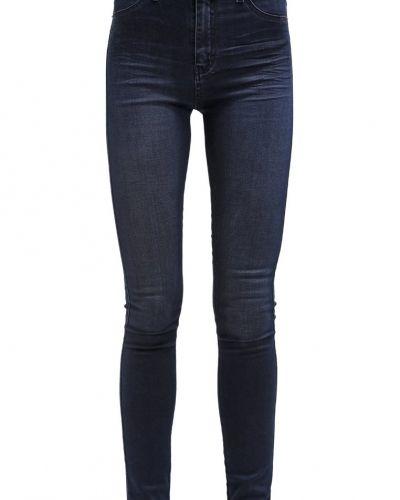 Till dam från 2ndOne, en slim fit jeans.