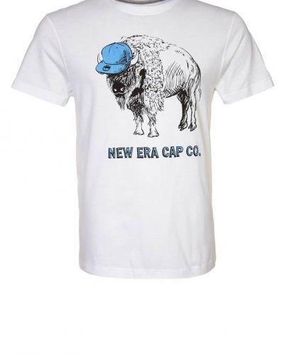 New Era B U F F A L O Tshirt med tryck Vitt - New Era - Kortärmade träningströjor