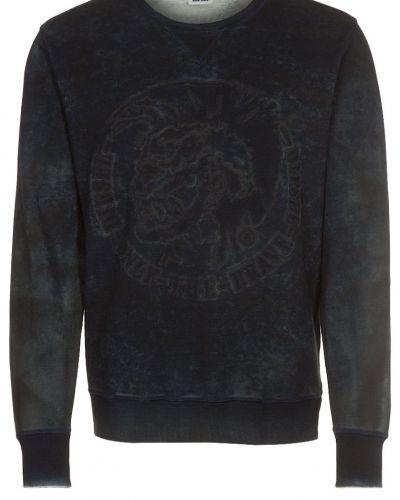 Till killar från Diesel, en svart sweatshirts.