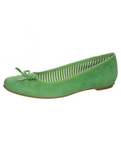 Till dam från Pier One, en grön ballerinasko.