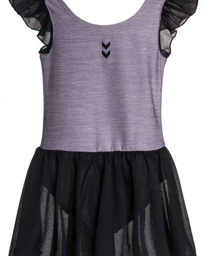 Hummel sportklänning till mamma.