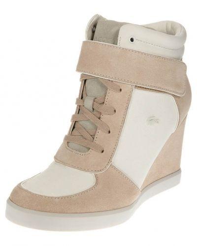 höga sneakers kilklack