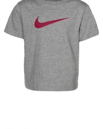Nike Performance BIG SWOOSH Tshirt med tryck Grått - Nike Performance - Kortärmade träningströjor