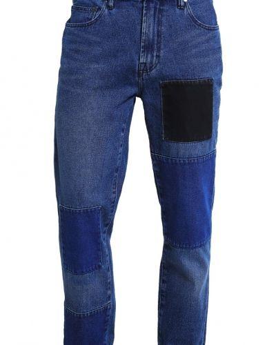 Till dam från Wåven, en loose fit jeans.