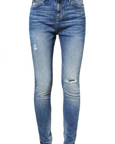 Earnest Sewn jeans till dam.