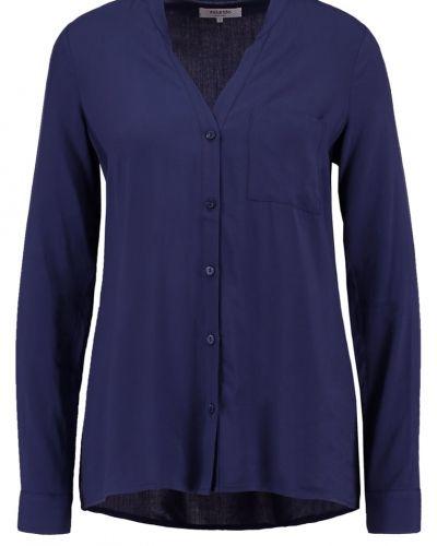Till mamma från Zalando Essentials, en blus.