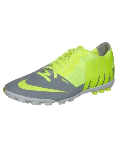 Nike Performance Bomba finale ii fotbollsskor. Grasskor håller hög kvalitet.