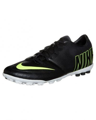 Nike Performance Bomba pro ii fotbollsskor. Traningsskor håller hög kvalitet.