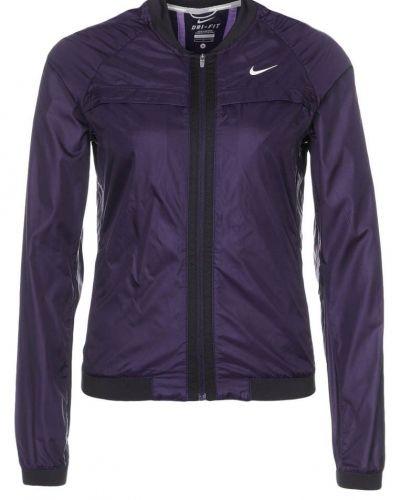 Nike Performance Nike Performance BOMBER Löparjacka Lila. Traning håller hög kvalitet.