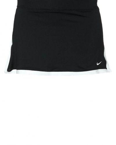 Nike Performance Border sportkjol. Traning håller hög kvalitet.