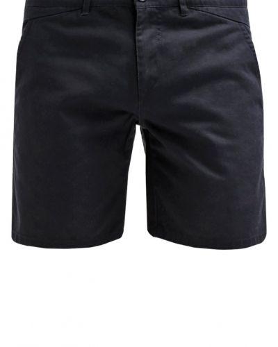 Till dam från Solid, en shorts.