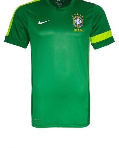 Nike Performance BRASILIEN Träningstopp Grönt från Nike Performance, Supportersaker