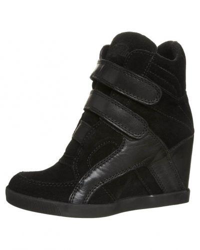 Buffalo höga sneakers till dam.