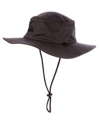 Bushmaster hatt från Quiksilver, Hattar