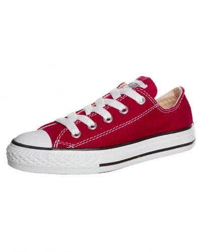 Röd sneakers från Converse till barn.
