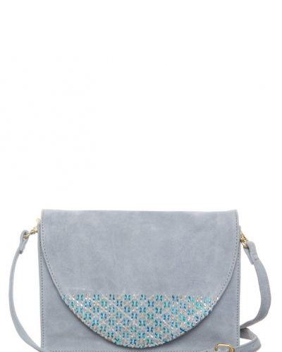 Selected Femme Cilla axelremsväska. Väskorna håller hög kvalitet.