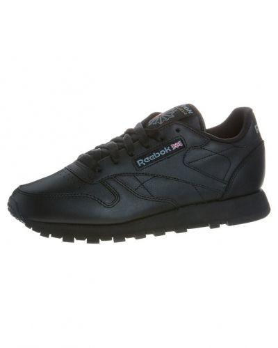 Reebok sneakers till dam.