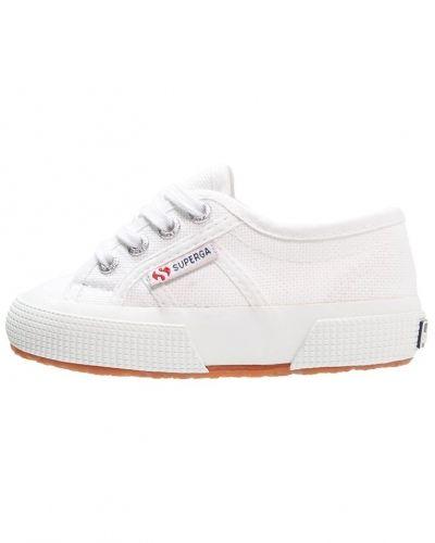 Sneakers från Superga till dam.