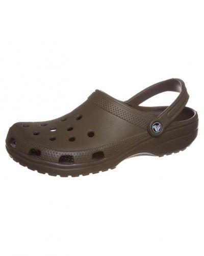 Crocs CLASSIC Utomhustofflor & Träskor Brunt från Crocs, Badskor