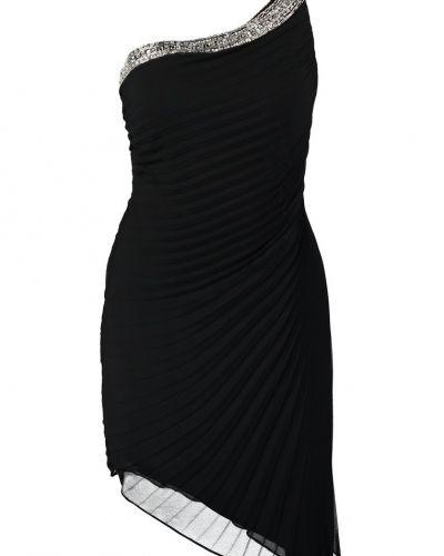 Till tjejer från Mascara, en svart cocktailklänning.