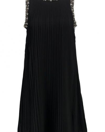 Till mamma från Young Couture by Barbara Schwarzer, en cocktailklänning.