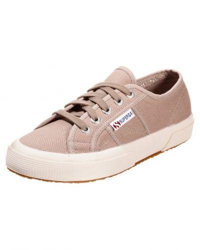 Sneakers Superga COTU CLASSIC Sneakers beige från Superga