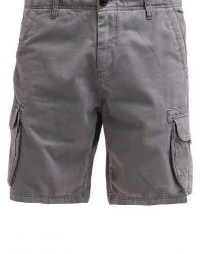 Till dam från Quiksilver, en shorts.