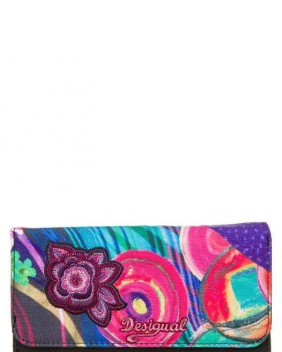 Dina plånbok från Desigual, Plånböcker