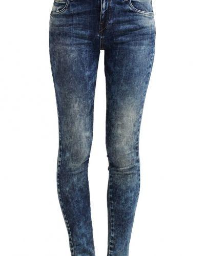 Till dam från LTB, en slim fit jeans.