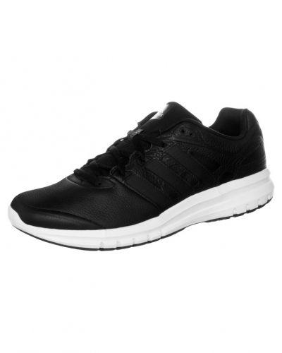 adidas Performance Duramo lea löparskor. Traningsskor håller hög kvalitet.