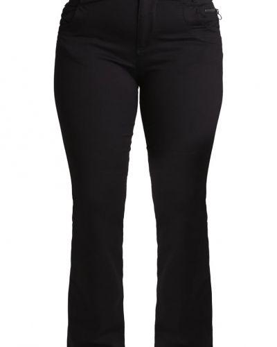 Bootcut jeans från Zizzi till tjejer.