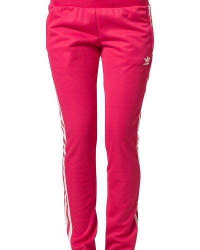 adidas Originals EUROPA Träningsbyxor Svart från Adidas Originals, Träningsbyxor med långa ben