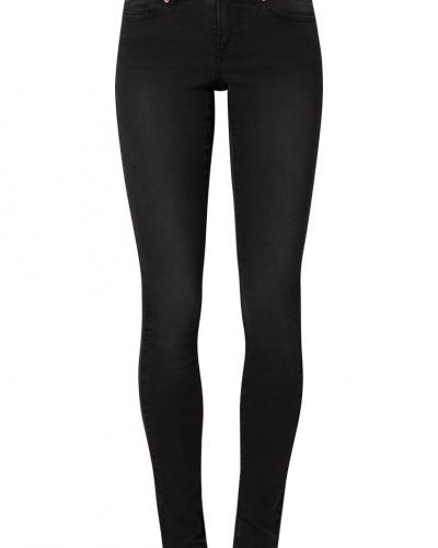 Svart slim fit jeans från Noisy May till dam.