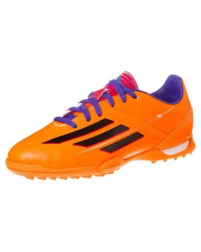 adidas Performance F10 trx tf fotbollsskor. Grasskor håller hög kvalitet.
