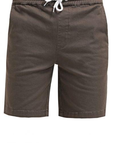 Wemoto shorts till dam.