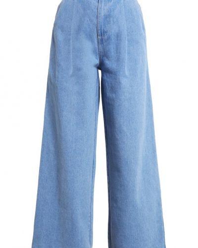 Till tjejer från The Fifth Label, en bootcut jeans.