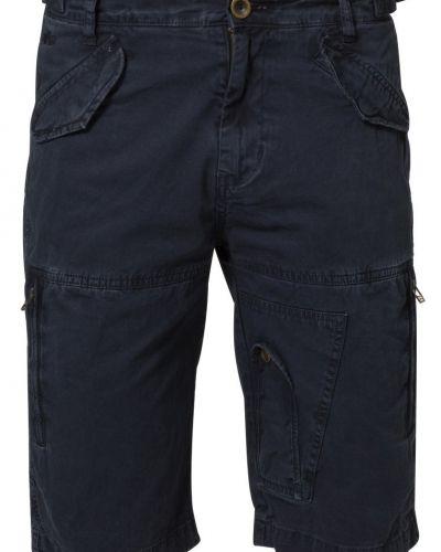 Alpha Industries shorts till dam.