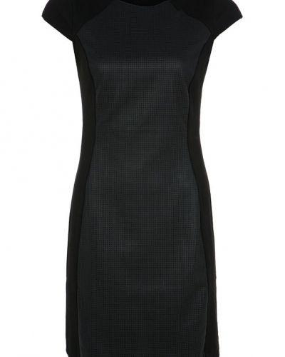KIOMI KIOMI Fodralklänning black