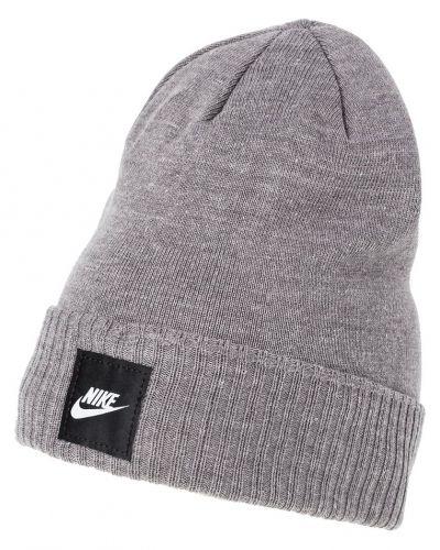 Nike Sportswear mössa till mamma.
