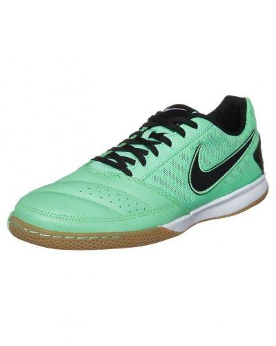 Nike Performance Gato ii fotbollsskor. Fotbollsskorna håller hög kvalitet.
