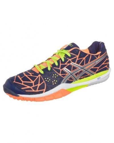 ASICS Gelfireblast indoorskor. Traningsskor håller hög kvalitet.