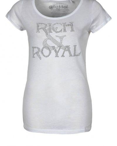 Till dam från Rich & Royal, en vit t-shirts.