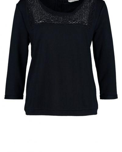 Opus sweatshirts till dam.