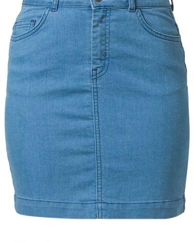 Blå jeanskjol från JUST FEMALE till tjejer.