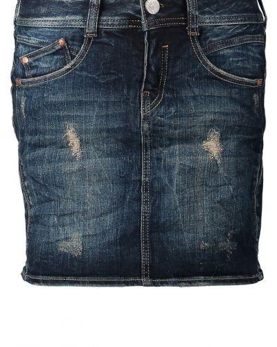 Till tjejer från Herrlicher, en blå jeanskjol.