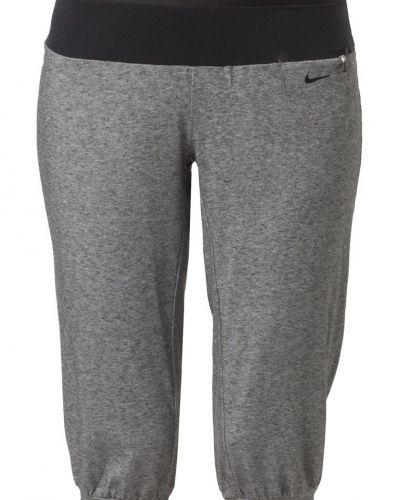 Nike Performance Nike Performance GYM Träningsshorts 3/4längd Grått. Traningsbyxor håller hög kvalitet.