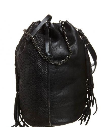 Aridza Bross Handväska. Väskorna håller hög kvalitet.