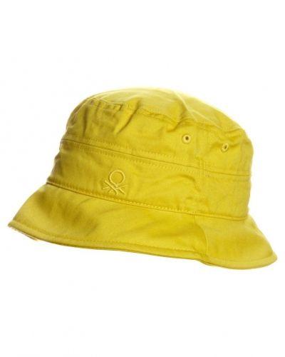 Benetton Hatt. Huvudbonader håller hög kvalitet.
